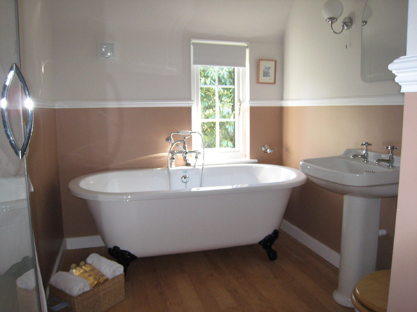 rolltop bath at Rye B&B