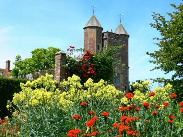 Sissinghurst castle gardens the national trust